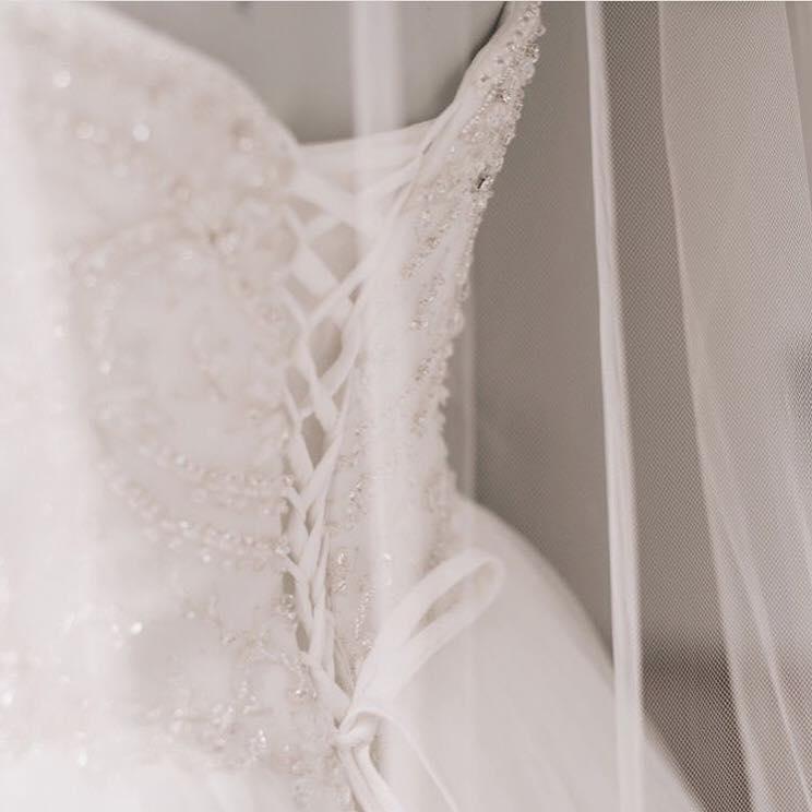 26734319_10156072929034595_6454675582120688712_n corset Novella details