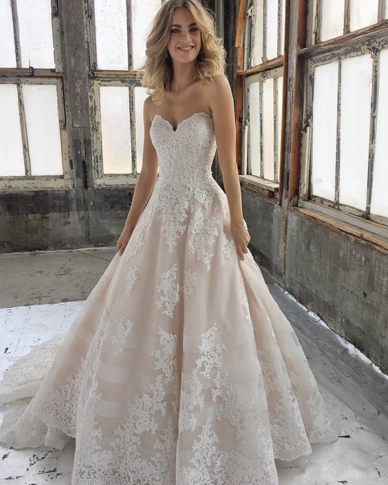Kimberly 8211 classic ballgown
